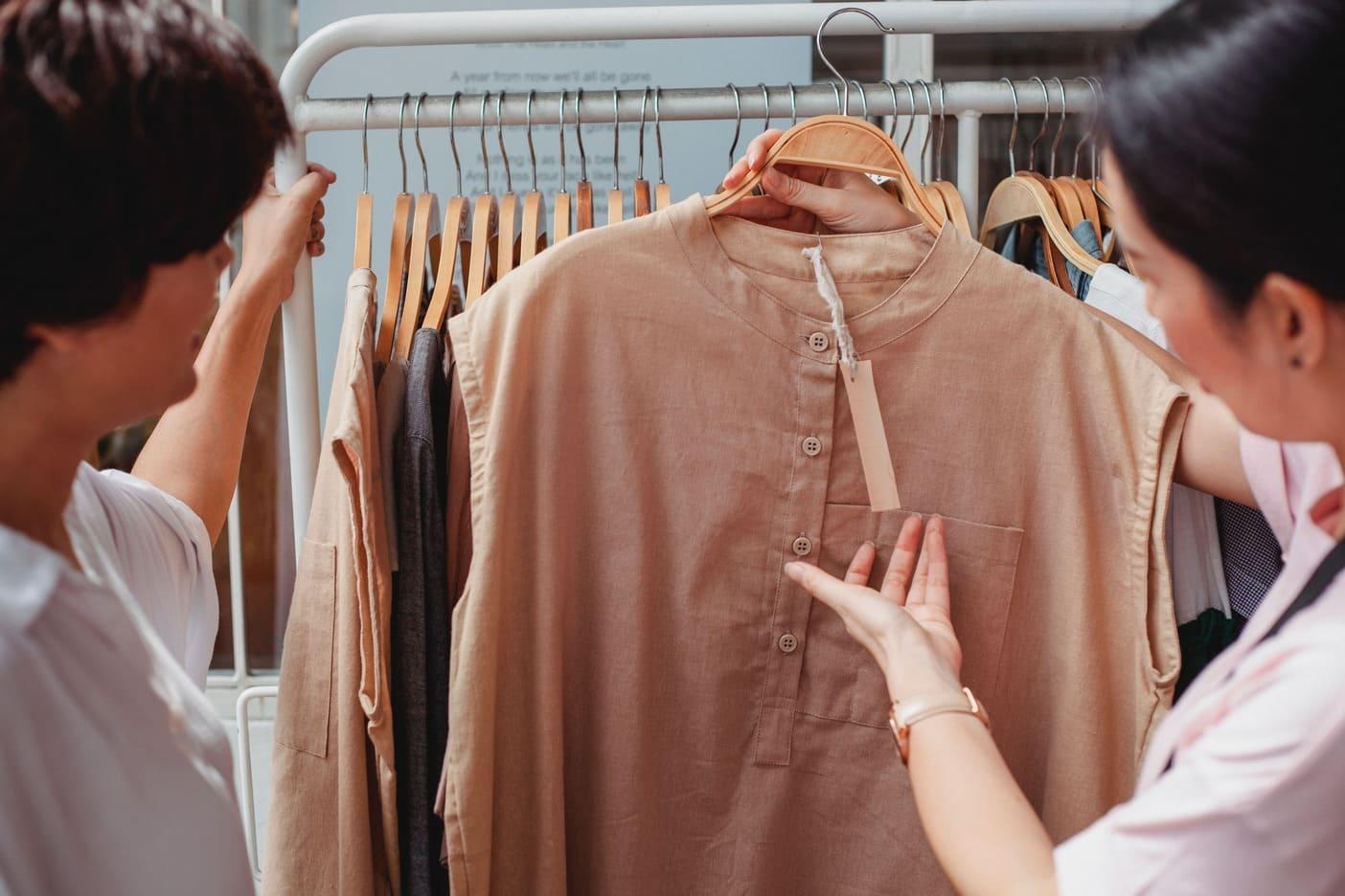 entrepreneur vendant des habits